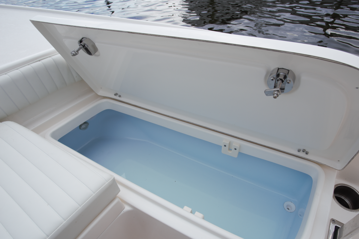 Bay Boat - Forward Storage Well